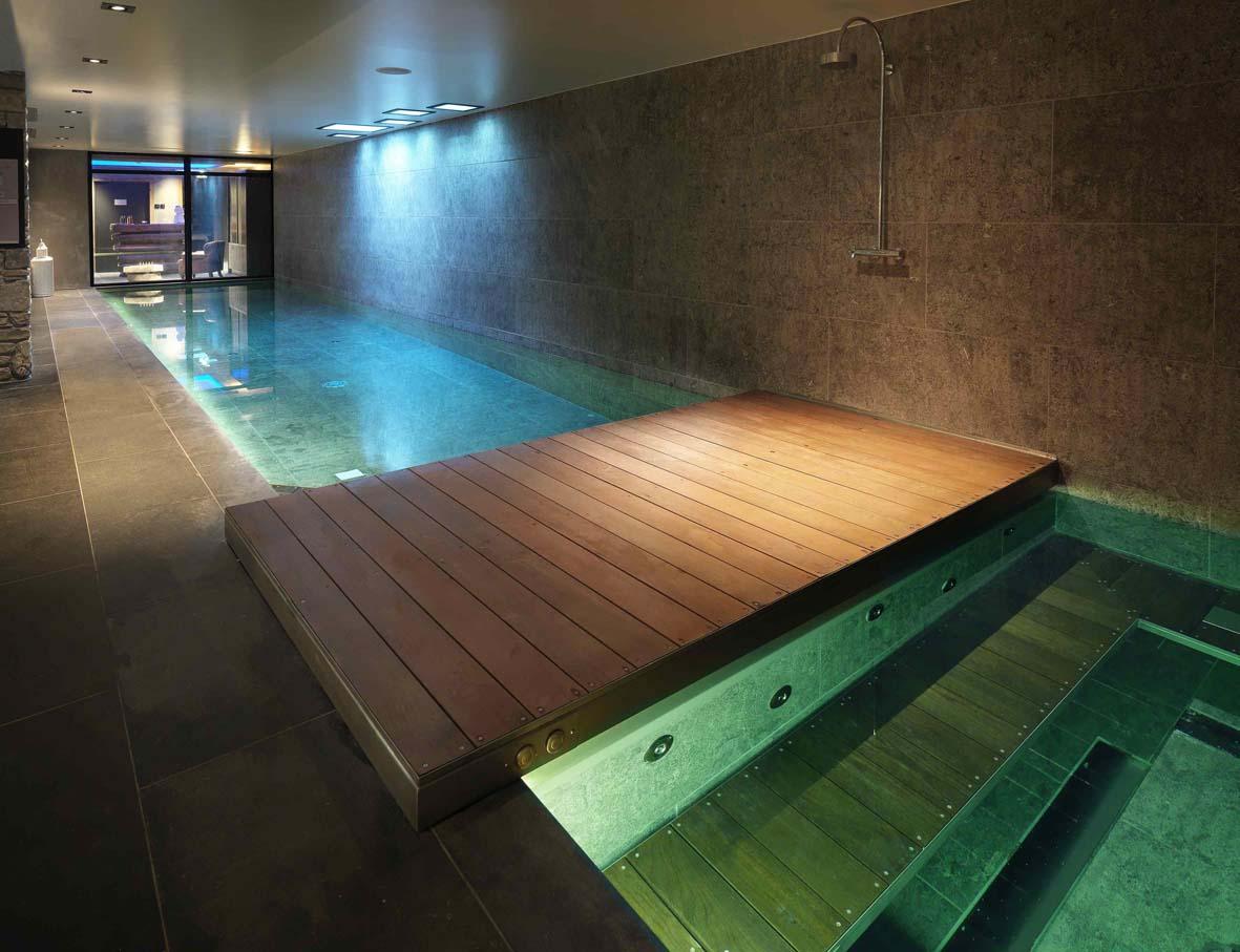 19 piscine jacuzzi decorer sa for Piscine jacuzzi