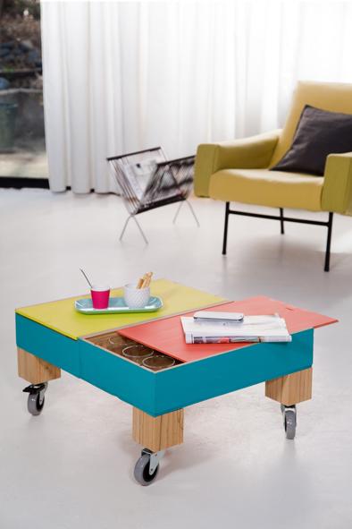 une table basse avec des caisses vin 1 decorer sa. Black Bedroom Furniture Sets. Home Design Ideas