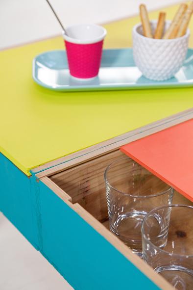 une table basse avec des caisses vin 3 decorer sa. Black Bedroom Furniture Sets. Home Design Ideas