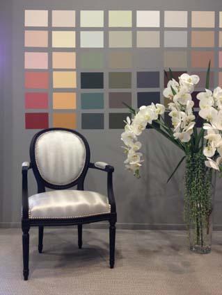 Une peinture qui accroche tout decorer sa for Chaise qui s accroche a la table