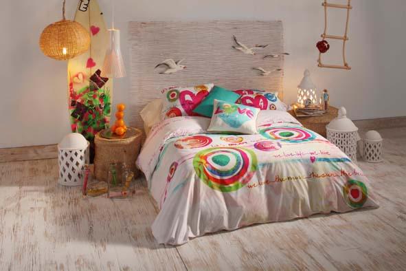 mettez de la couleur dans votre lit decorer sa. Black Bedroom Furniture Sets. Home Design Ideas