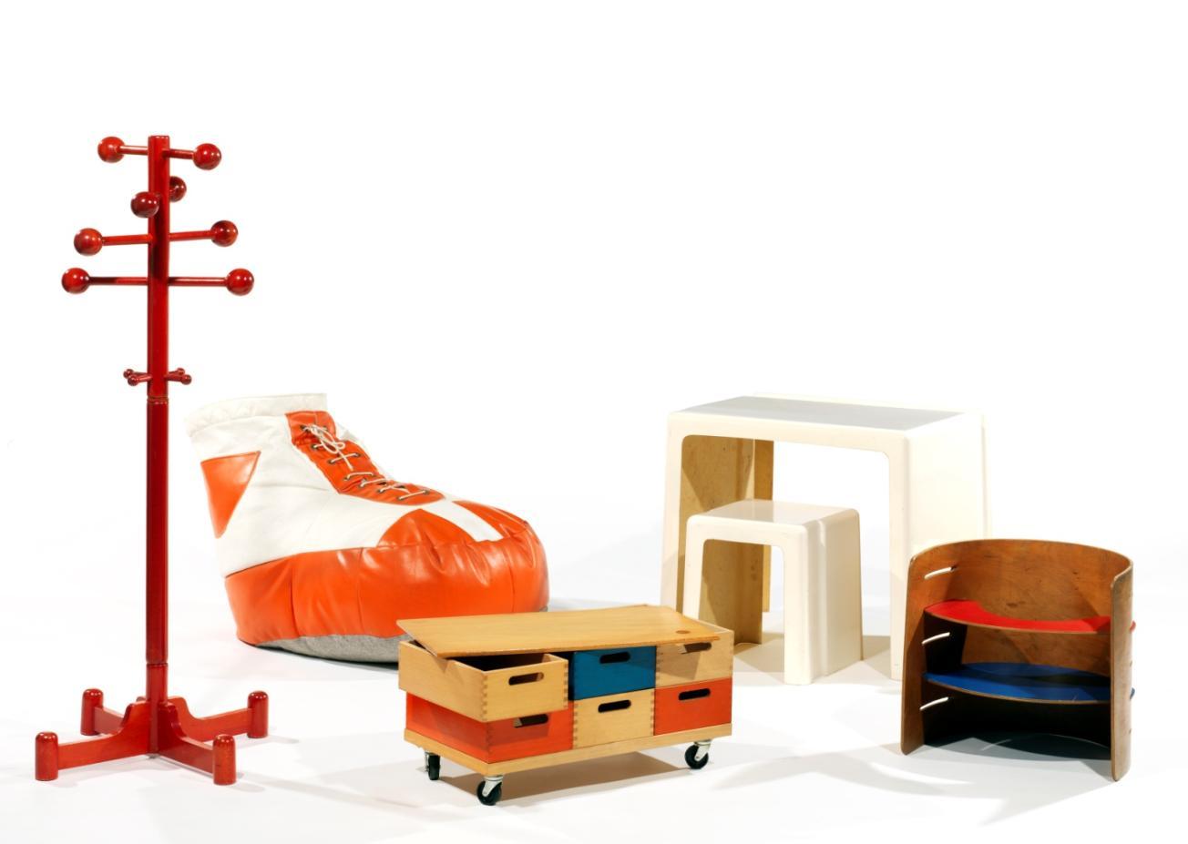 tajan organise sa 1ere vente design for kids decorer sa. Black Bedroom Furniture Sets. Home Design Ideas