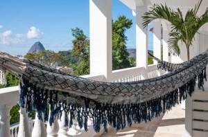 De la véranda on admire le panorama envoûtant de la baie de Guanabara.