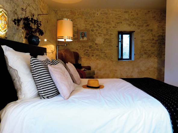 maison fontaine p1010602 decorer sa. Black Bedroom Furniture Sets. Home Design Ideas