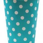 Gobelets à pois en carton, différents coloris, vendus par 10 (1,95 €).