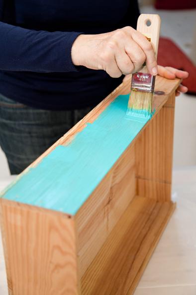 2 une table basse avec des caisses vin decorer sa. Black Bedroom Furniture Sets. Home Design Ideas