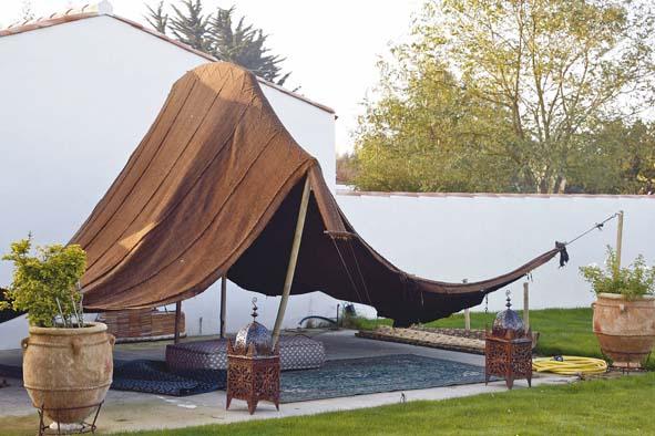 Une vraie maison de famille decorer sa Tente de jardin metro