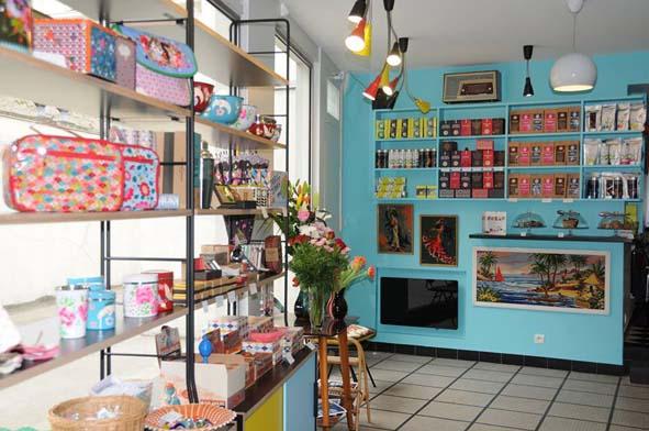 Boutique d co avec coin th caf decorer sa for Boutique maison deco