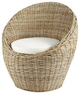 Fauteuil Cocoon structure canne de rotin, coussin déhoussable ivoire, 100% coton, (149,90 €).