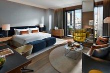 barcelona-2014-suite-mandarin-junior-bedroom-1