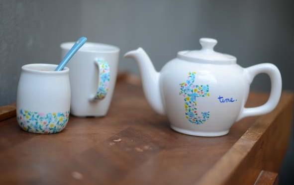 Personnaliser une théière en porcelaine