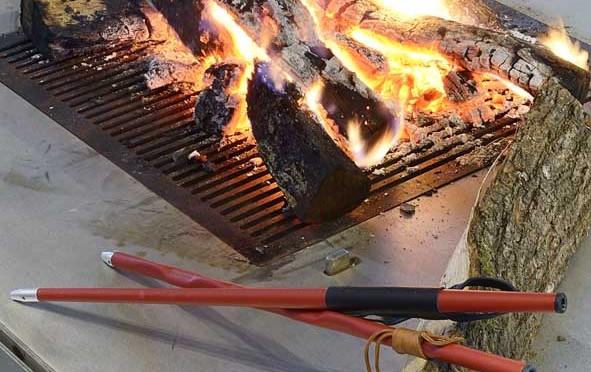 Un bâton qui attise le feu…