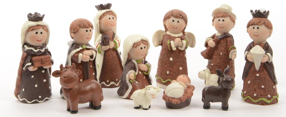 Santons de Léandre, hauteur max. 7 cm. Onze santons en résine (Marie, Jésus, Joseph, 3 Rois Mages, ange, berger, âne, bœuf, agneau (29,99 €).