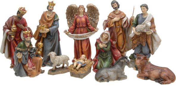 Santons de Madelaine, hauteur 20 cm (debout), hauteur 13 cm (assis), animaux, hauteur 6 cm. Onze santons en céramique (Marie, Jésus, Joseph, 3 Rois Mages, ange, berger, âne, bœuf, agneau (49,99 €).