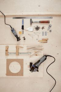 Comment fabriquer un coffre en bois multi-usage MATERIEL