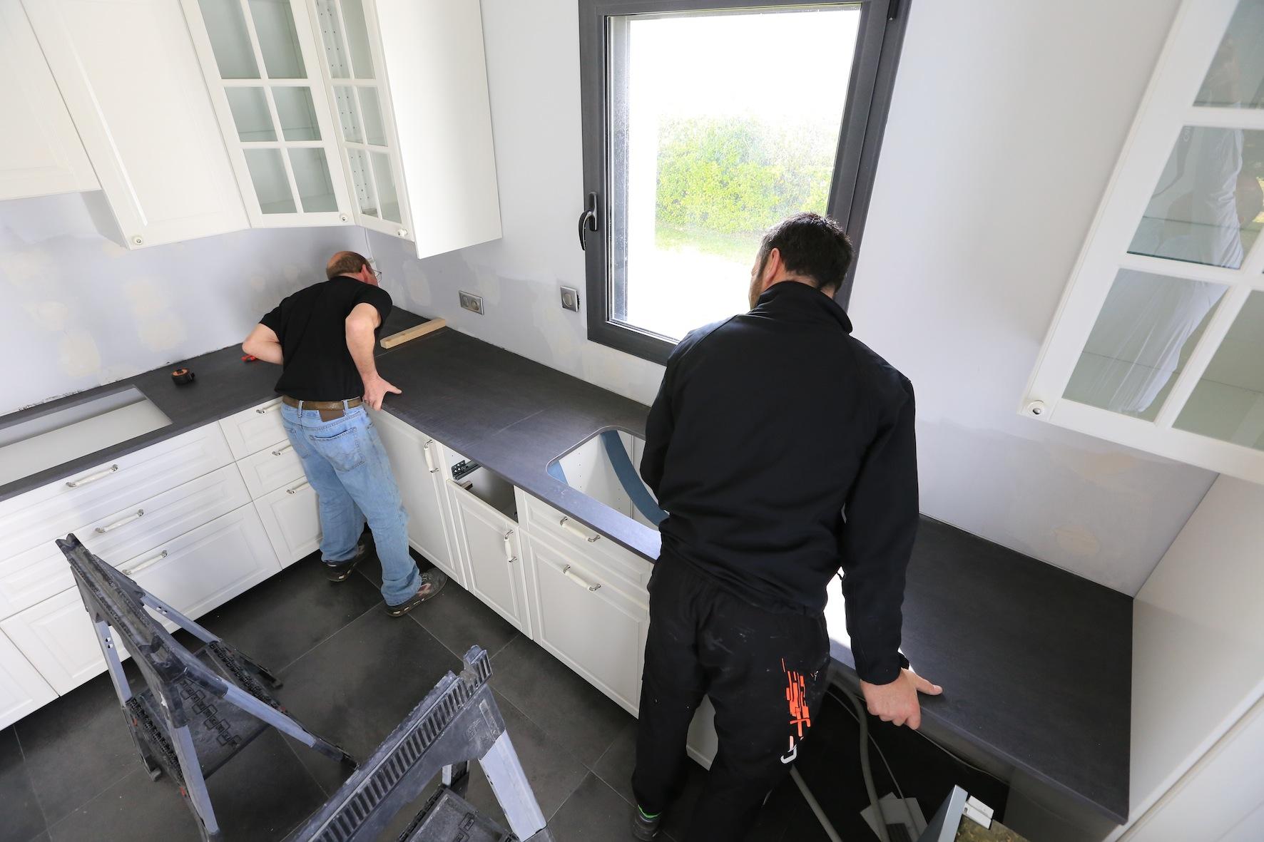 Hotte Sortant Du Plan De Travail réinventer sa cuisine avant/après - decorer-sa-maison.fr